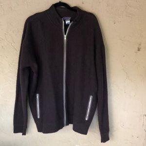 Patagonia men's 100% wool full zip sweater
